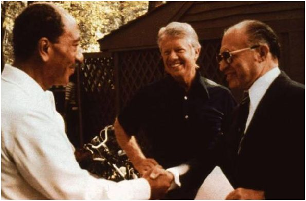Camp David 17 septembre 1978. Sadate, Carter, Begin