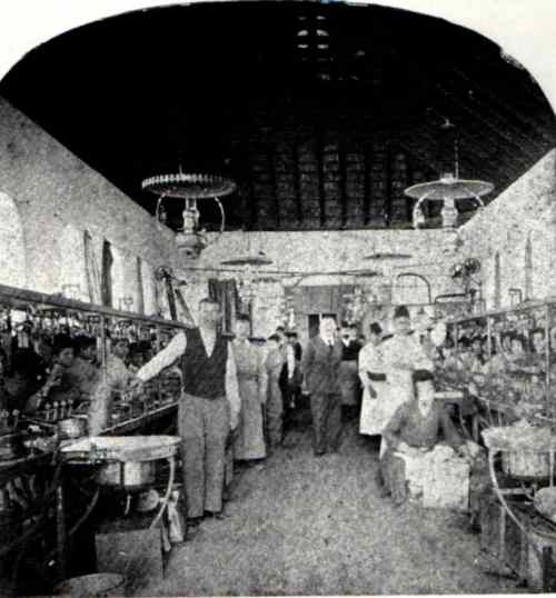 rosh pina atelier de production de soie 1913
